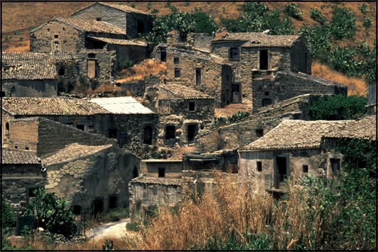 """Conferenza  Architettura : """"Il Borgo Cunziria"""""""